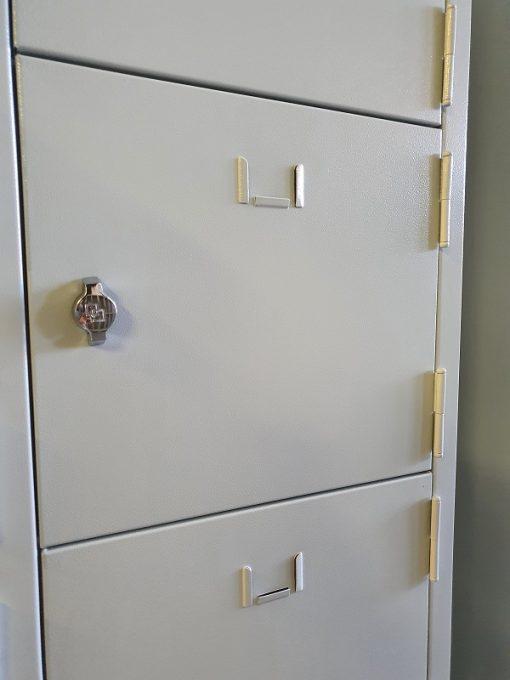 15'li emanet dolabı kapıları